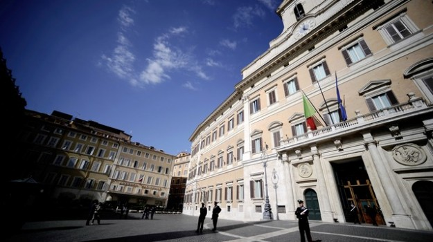 Insediamento del nuovo parlamento elezioni politiche for Composizione parlamento italiano